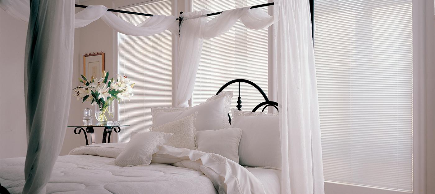 MPM_LghtLns_carousel_bright_white_0