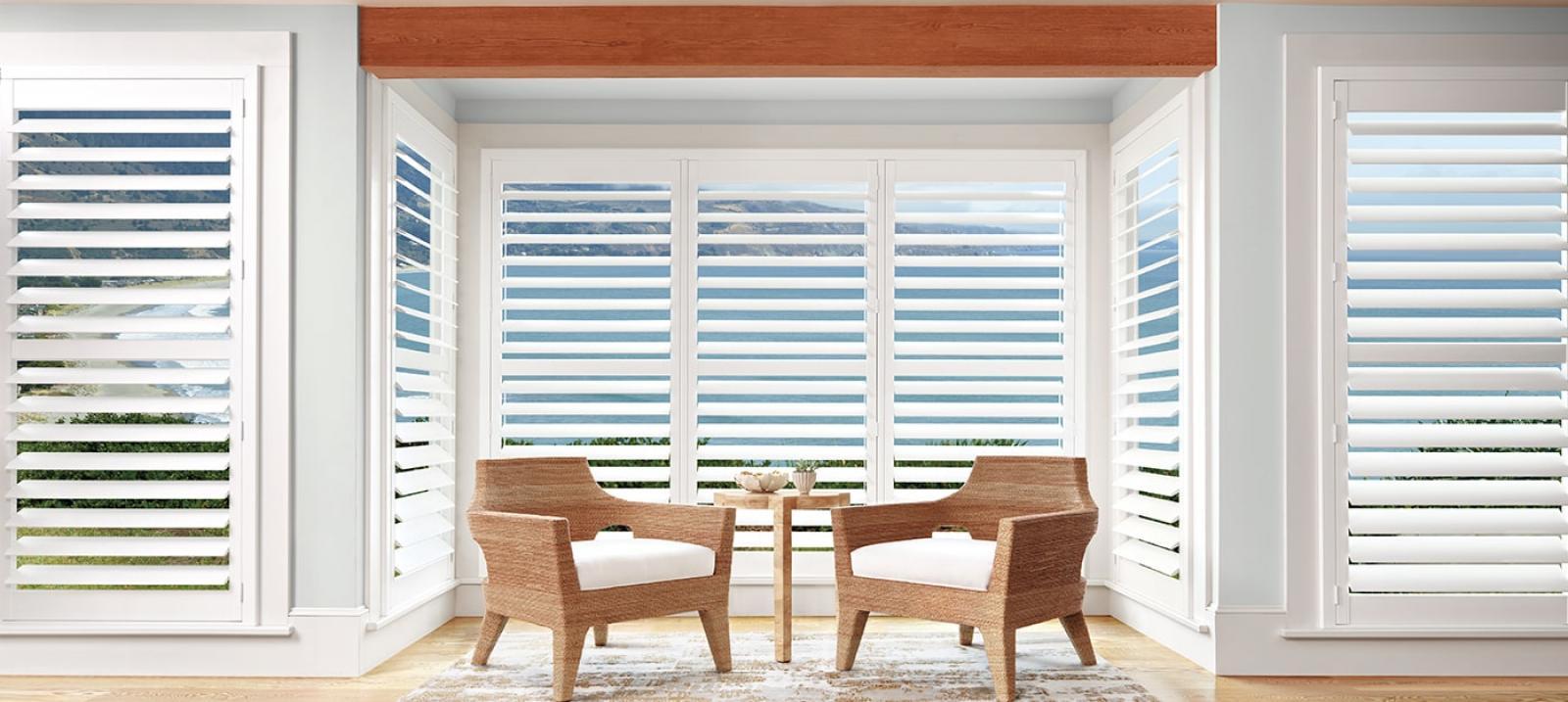 palm-beach-in-bright-white-livingroom